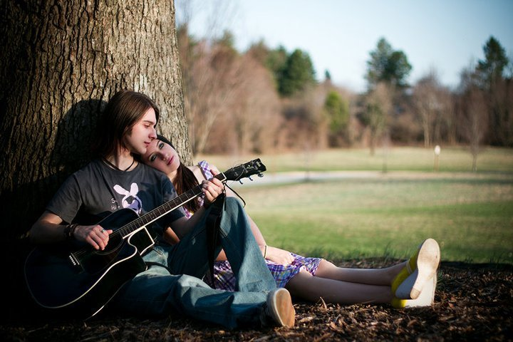 couple-in-love-with-guitar1-9742