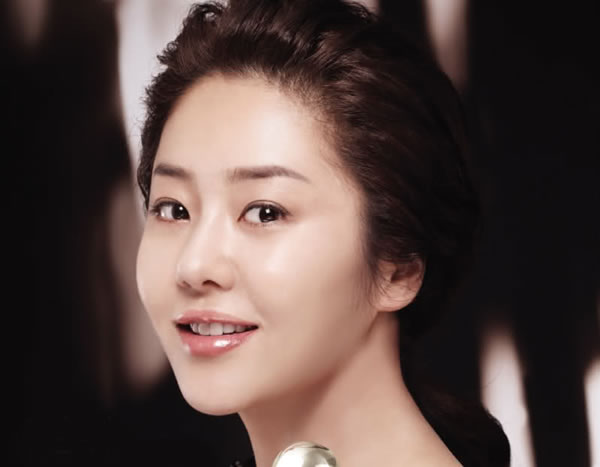 Go Hyun Jung (www.indianbeauty.tips)