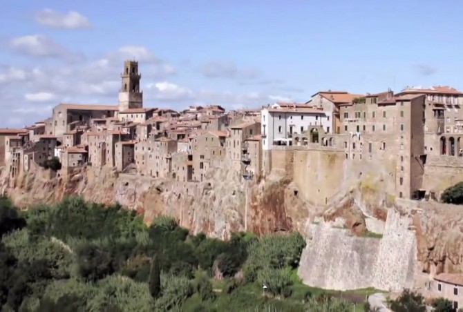 Pitigliano, Italia (YouTube)