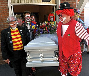 badut pemakaman