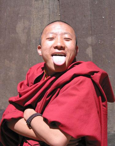 Menjulurkan Lidah ala Tibet