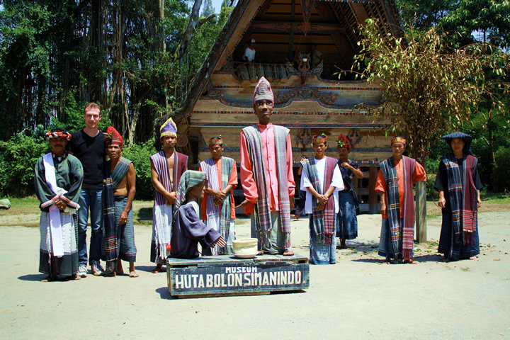 Kisah Sigale-gale si Boneka Mistis Pulau Samosir