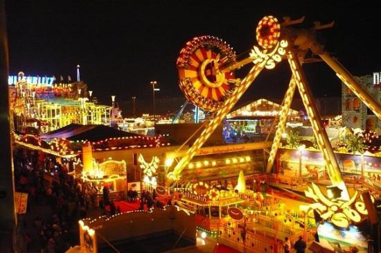 Pasar Malam: Bukan Lagi Sekedar Tempat Belanja Murah