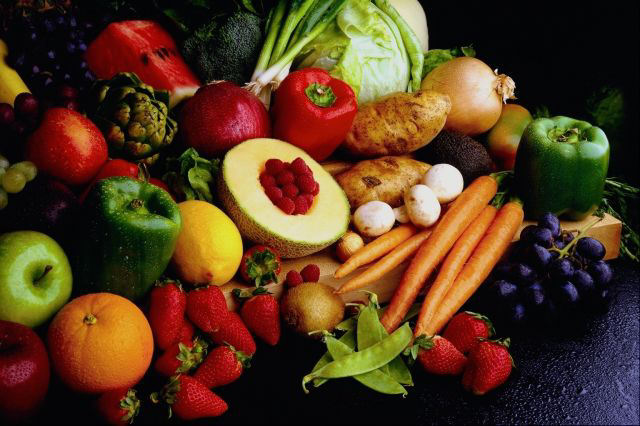 9 Buah dan Sayur yang Berpotensi Berbahaya