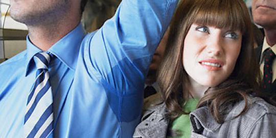 10 Kebiasaan Cowo Yang Nggak Disukai Cewe