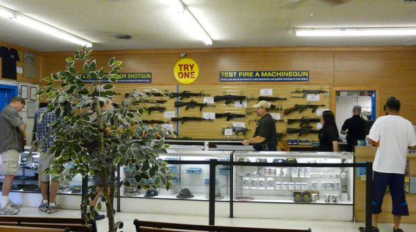 Las Vegas Miliki Wisata Bermain Senjata
