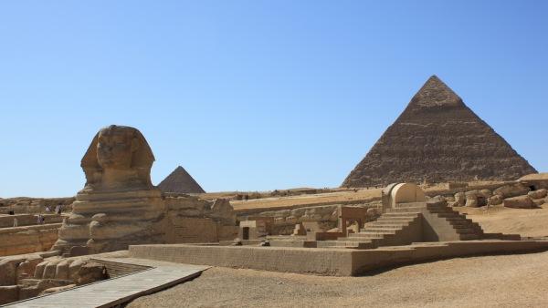 Jelajahi Piramida Agung Giza di Mesir