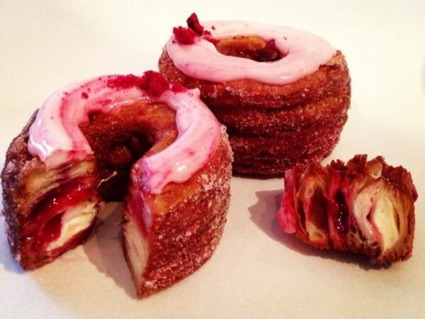 Rayakan Valentine dengan Cronut Rasa Raspberry Lychee