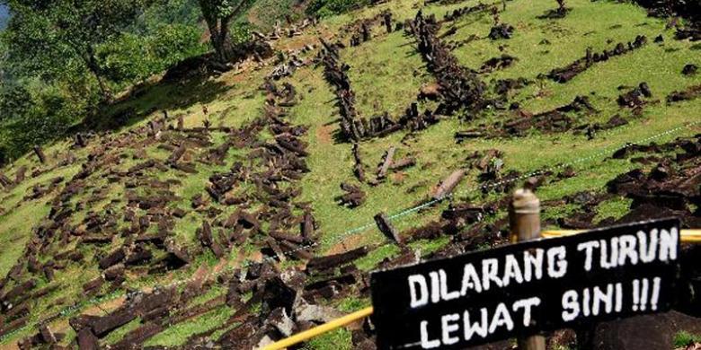 Misteriusnya Gunung Padang Bikin Wisatawan Penasaran