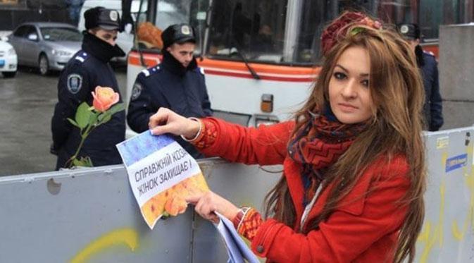 STORY: Kisah Cinta Antara Polisi dan Demonstran