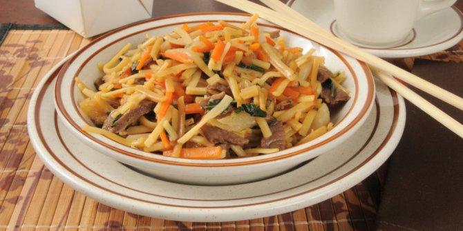Lo Bok dengan cabai Sichuan - China