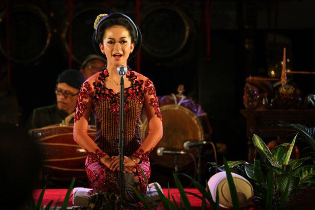 Derita Penyanyi Campursari Kini Hidup Dipasung