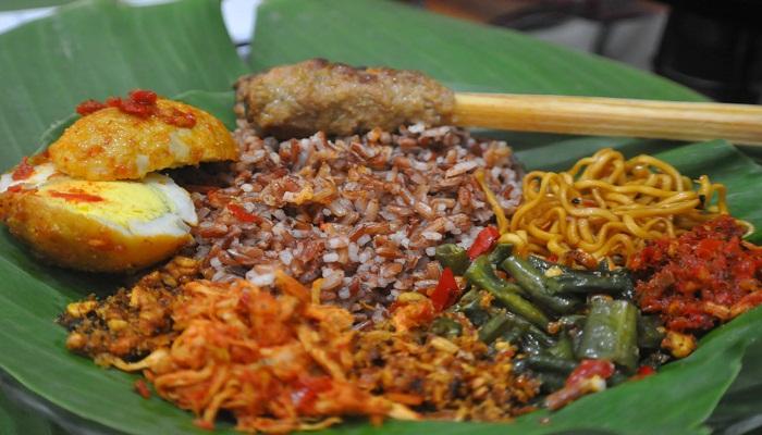 Rasakan Kenikmatan Nasi Jinggo Asal Bali