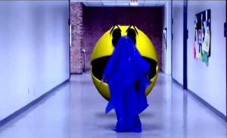 1Rasanya dikejar Pac Man