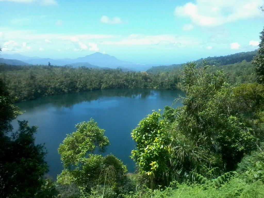 Sejuknya Danau Ranamese di Flores