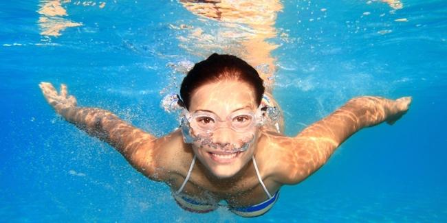 Bugarkan Badan Anda dengan Berenang
