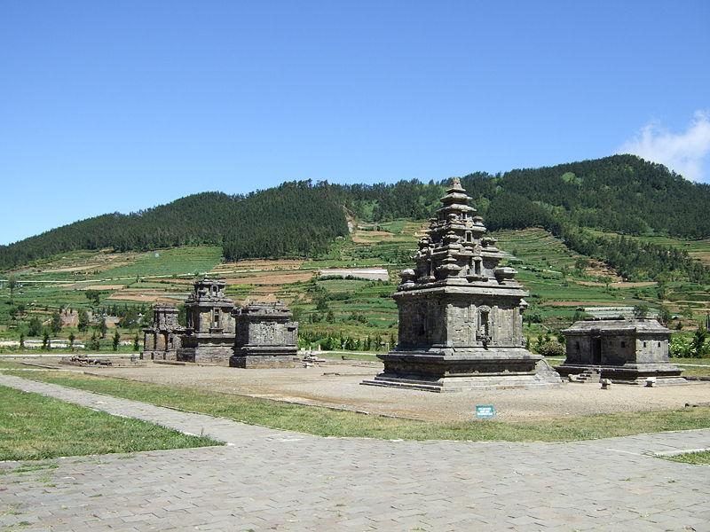 Kenal Lebih Dalam Sejarah Hindu di Kompleks Candi Arjuna