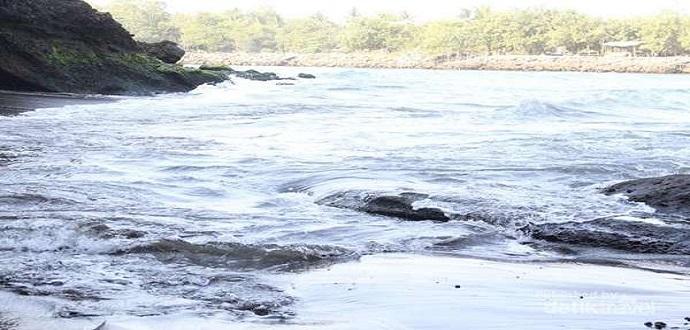 Keindahan Tiada Tara dari Pantai Karangbolong