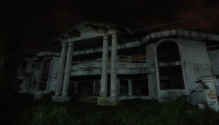 Beberapa Tempat Angker di Indonesia