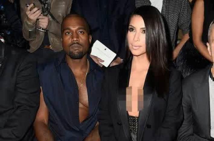 Usai Diserang, Kim Kardashian Santai Pamer Belahan Dada
