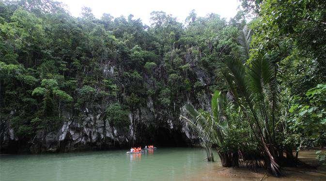 Uji Adrenalin di Sungai Bawah Tanah Filipina