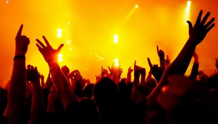 5 Band yang Langsung Tenar Lewat Debut Single