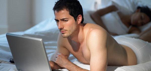 Sering Nonton Film Porno Turunkan Rasa Percaya Diri