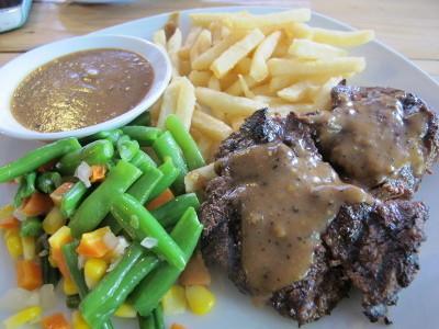 4 Rekomendasi Tempat Makan Beefsteak Juicy Lezat
