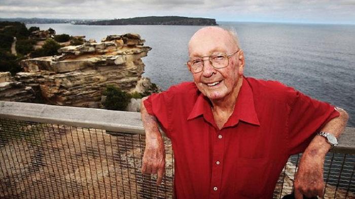 STORY: Don Ritchie, Penyelamat Orang yang Hendak Bunuh Diri