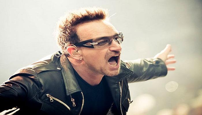 Bono U2 Nyaris Tewas Saat di Pesawat