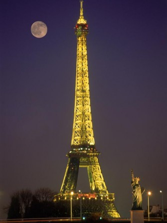 Patung Liberty di Paris