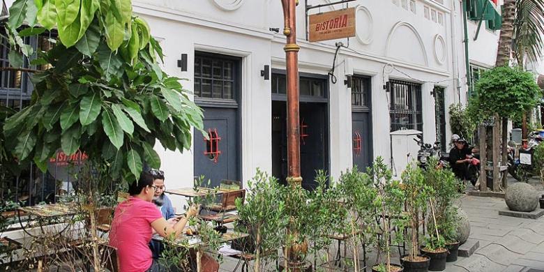 Ikan Goreng Sambal Andaliman di Food & Bar Historia Jakarta