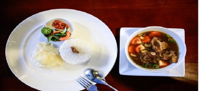 Rasakan Menu Sop Buntut Lezat di Laughing Stock