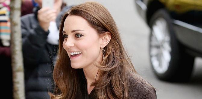 Kate Middleton Pakai Anting Buatan Indonesia
