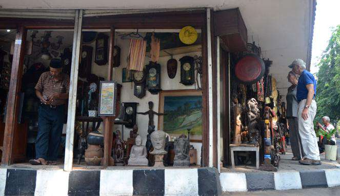 Mengunjungi 5 Pasar Loak di Jakarta