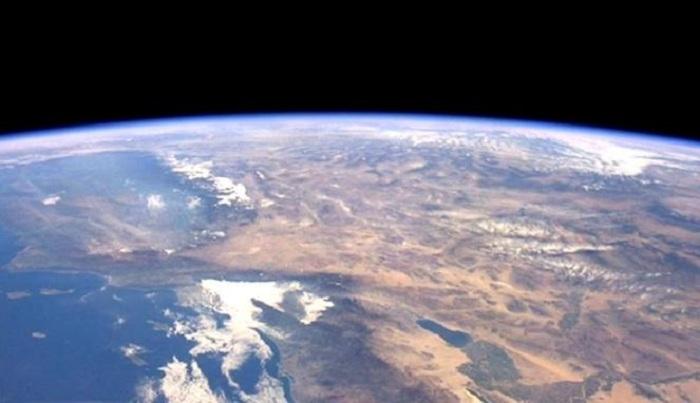 Wujud Awal Permukaan Bumi