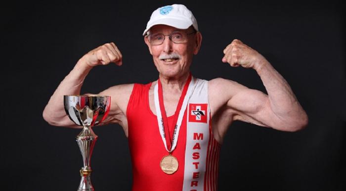 Kakek 95 Tahun Pecahkan Rekor Dunia Lari 200 Meter