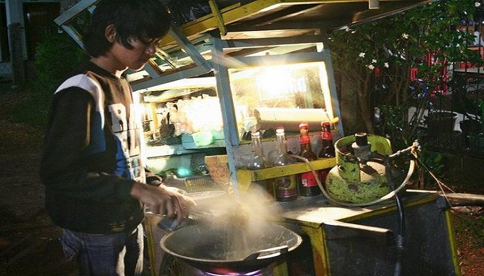 Sisi Lain dari Tukang Nasi Goreng Keliling