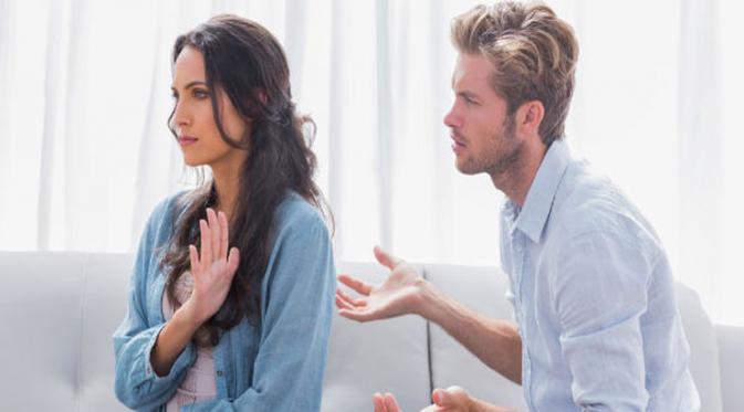 Tak Mau Berantem dengan Pacar? Hindari 5 Sifat Ini   jadiberita.com