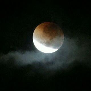 Foto gerhana bulan (Twitter)