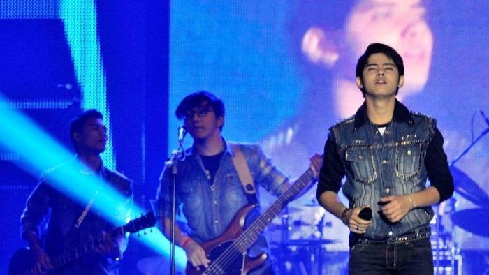 Konser di Jambi, Aliando Bikin Fans Histeris