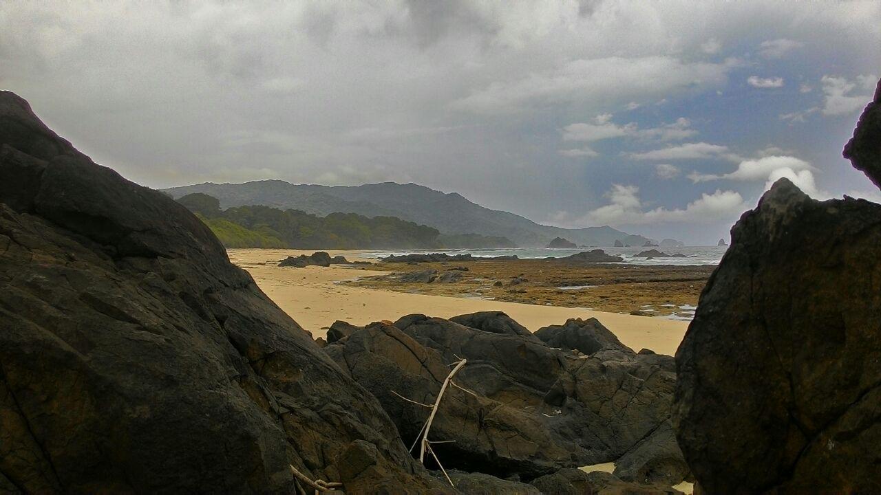 Pantai Ciramea (copyright:jadiBerita.com)