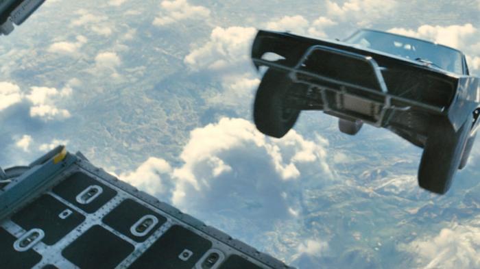 Terungkap, Rahasia Adegan Mobil Terjun dari Pesawat di Fast & Furious 7