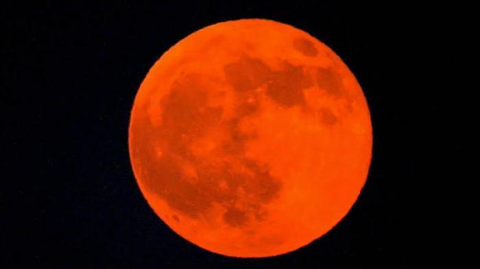 Indahnya Gerhana Bulan Merah Darah Tadi Malam