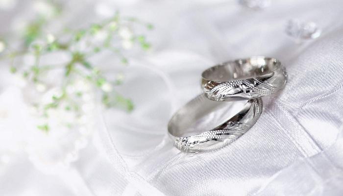 5 Lagu yang Sering Diputar di Acara Pernikahan
