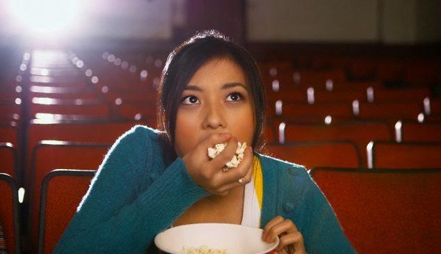 Ini Bahaya Popcorn Saat Menemanimu Menonton Bioskop