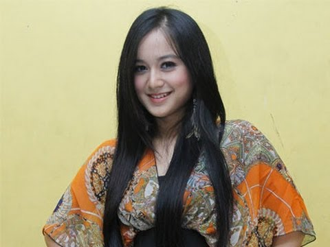Juwita Bahar (youtube)