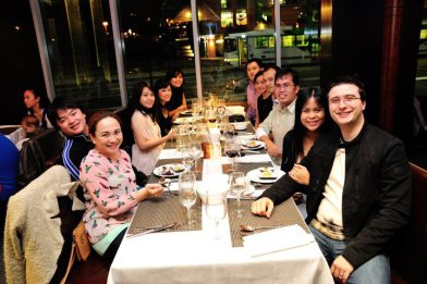 makan malam dengan keluarga (thefreakyteppy.com)
