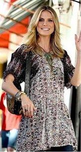 Heidi Klum pakai batik Indonesia (fashionsart.com)