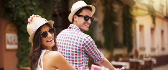 Pasangan berbahagia (www.huffingtonpost.com)